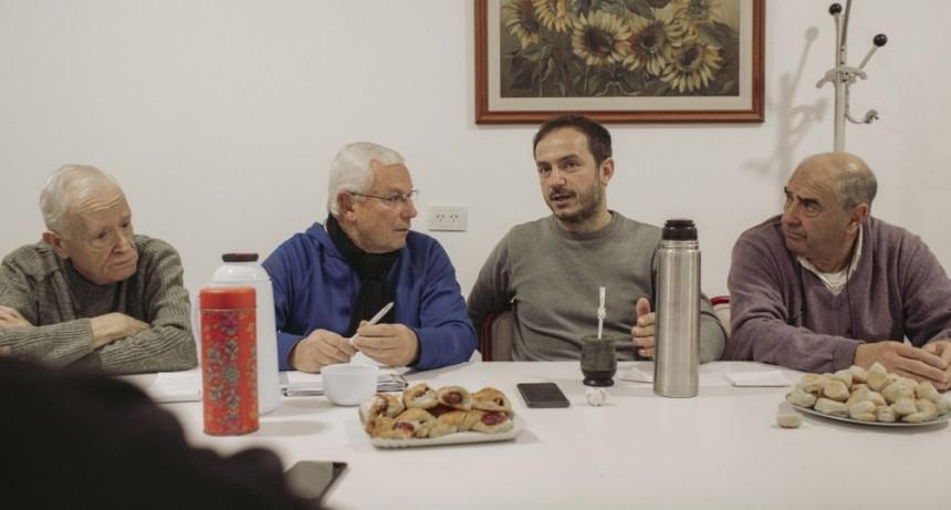 Abella compartió un encuentro con los jubilados de la calle Moreno