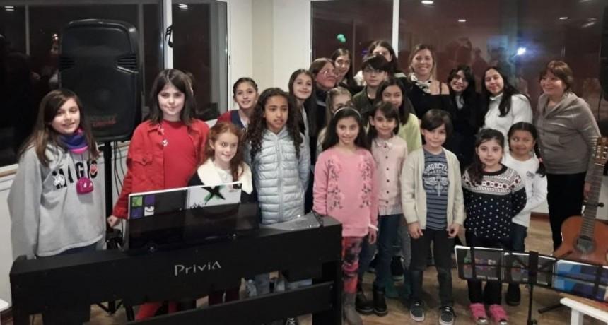 El Coro Municipal de Niños participó de un encuentro en Zárate