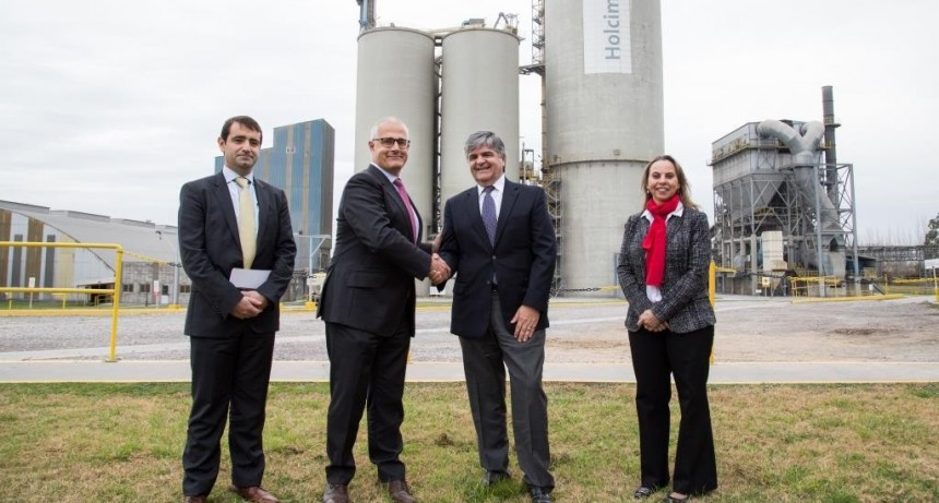Holcim Argentina abastecerá sus plantas productivas con energía renovable de YPF Luz