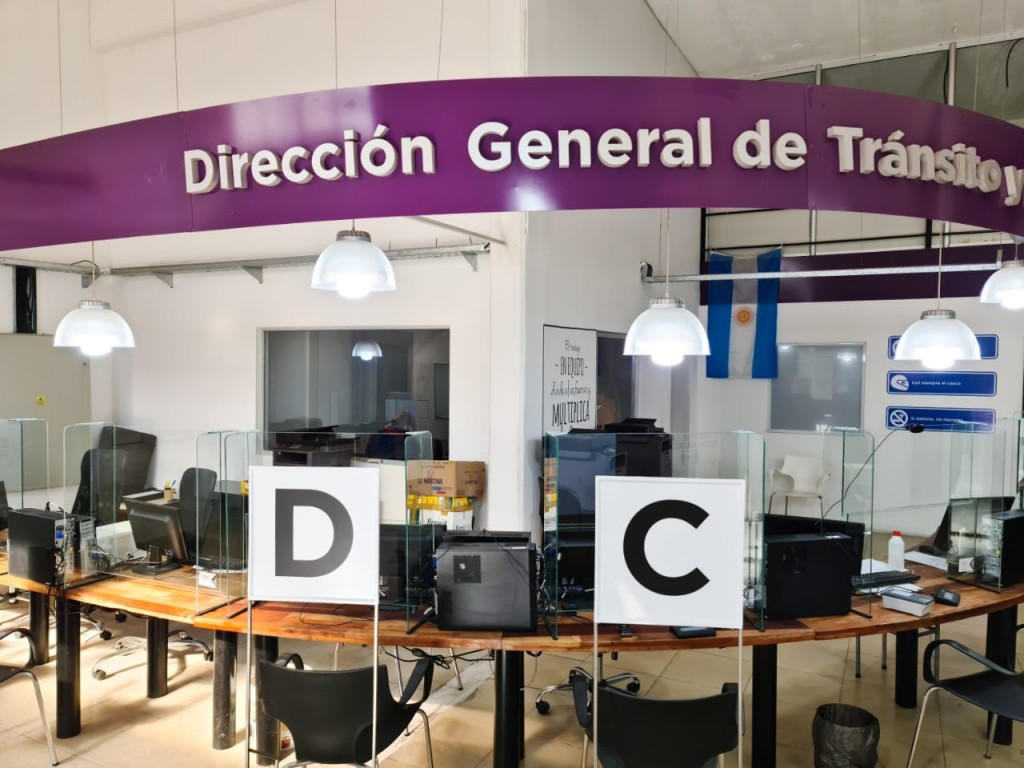 Reabren la oficina de Tránsito para renovación de la licencia de conducir
