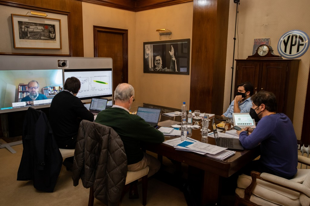 Kicillof mantuvo un encuentro con el comité científico de la provincia de Buenos Aires