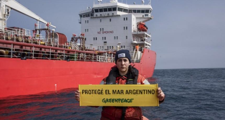 Greenpeace: El Mar Argentino al borde del colapso entre pesqueros y petroleros