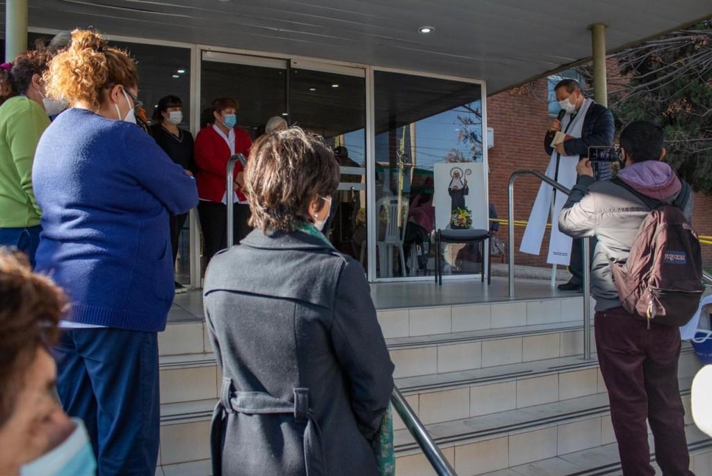 La virgen peregrina Santa Florentina visitó el Palacio Municipal