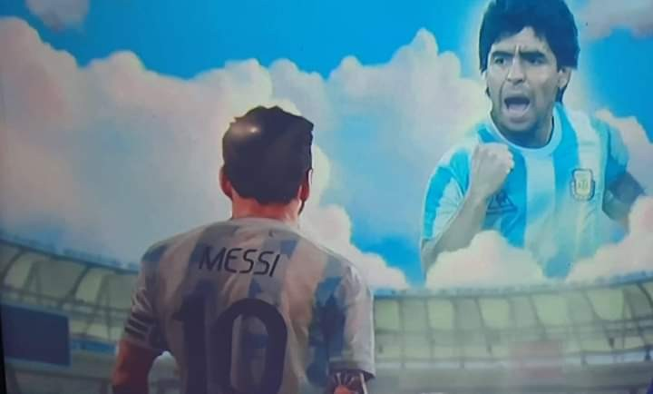 UN DIA 10 CON UN 10 EN LA CANCHA Y UN 10 EN EL CIELO ARGENTINA CAMPEON !!!!!