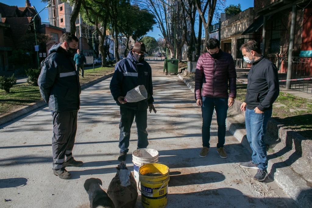 Avanza el plan de bacheo de hormigón en el boulevard Sarmiento