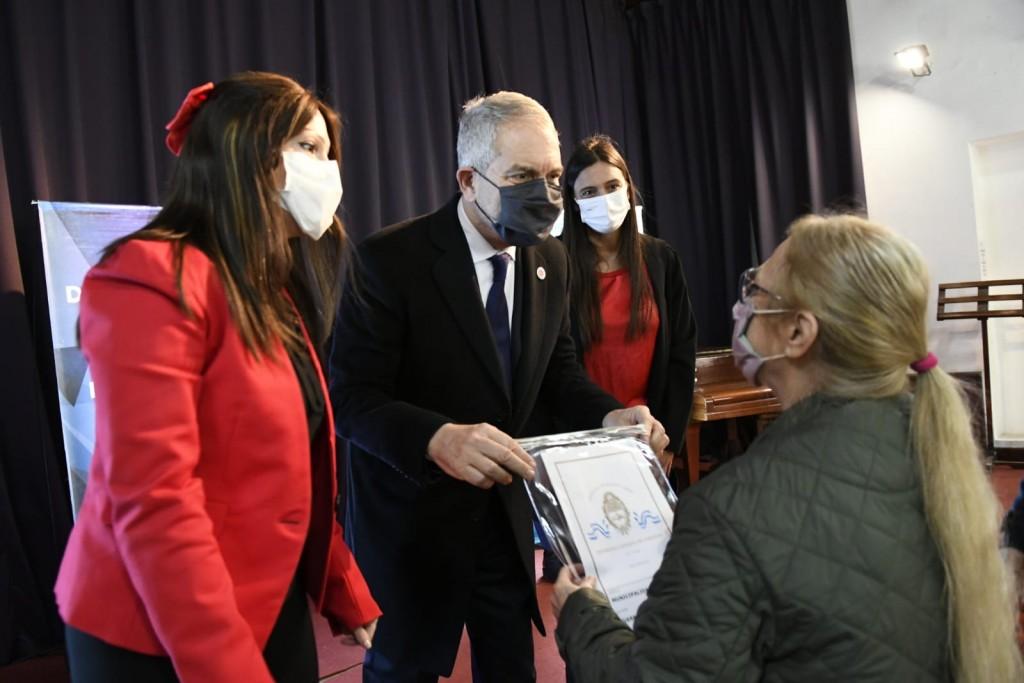 La Provincia continúa con la entrega de 8000 escrituras, y 136 fueron entregadas en Campana