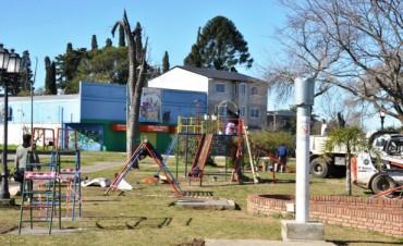 """Ante el inicio de obra del """"Skate Park"""", el Municipio reubica los juegos de la Plaza """"1º de Mayo"""""""