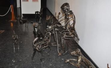 """Se expuso a la Comunidad la Muestra artística """"Fierrocidades"""""""