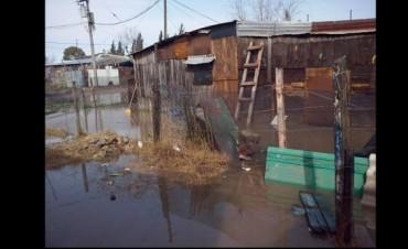 Oscar Trujillo propuso eximir de tasas a los afectados por la inundación.