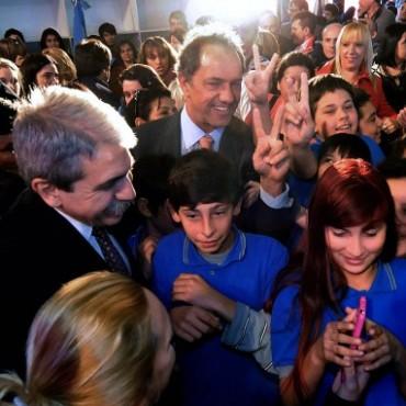 Al inaugurar Escuela Técnica en Campana SCIOLI: