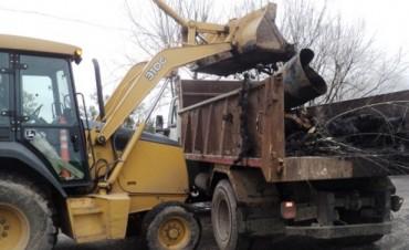 Obras y Servicios Públicos trabaja en la limpieza de barrios de la ciudad