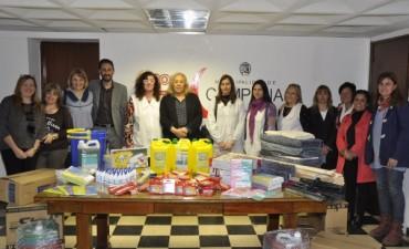 De manos de las Intendente Giroldi, Establecimientos Educativos del Sector Isleño recibieron Kits de Útiles Escolares y de Limpieza