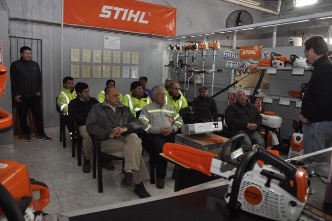 Personal municipal se capacitó sobre el uso de nuevas herramientas y maquinarias
