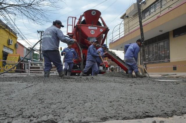 Tras la intervención del Municipio, ABSA reparó el hundimiento del pavimento en Belgrano y Sarmiento