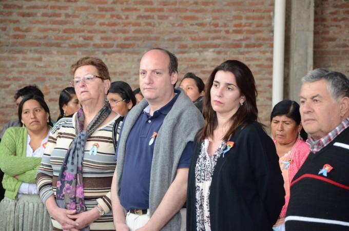 Autoridades acompañaron el acto por el Día de la Independencia de Bolivia