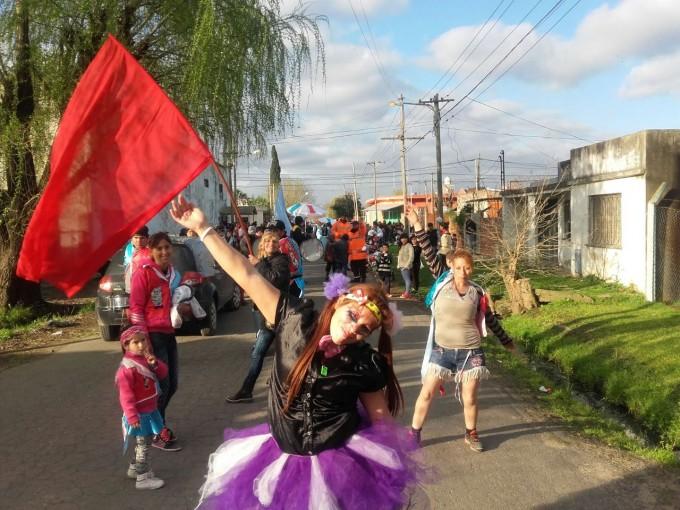 """Cientos de chicos celebraron el """"Mes del Niño"""" en el barrio Lubo"""