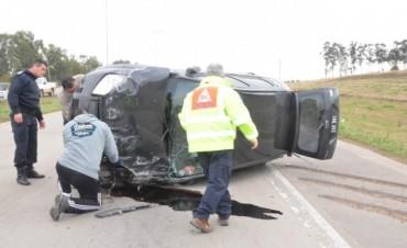 Defensa Civil intervino en un accidente vial en ruta 6