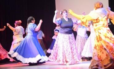 Con un espectáculo de lujo, el Taller Municipal Peña Emanuel celebró su 10º aniversario