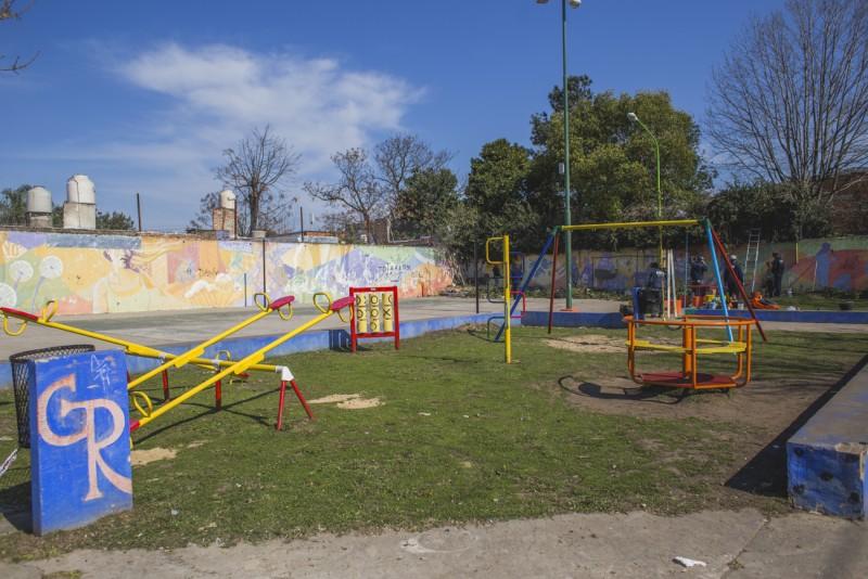 El Municipio reacondiciona la plaza del barrio Del Pino
