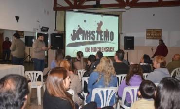 Abella participó del estreno de un cortometraje realizado por artistas locales