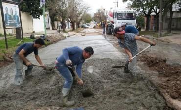 Continúan las obras del Plan Integral de Bacheo de hormigón en el casco urbano