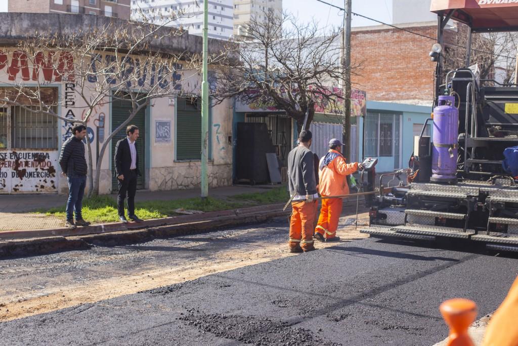 Avanza el reasfaltado de las calles por donde circula el transporte de pasajeros