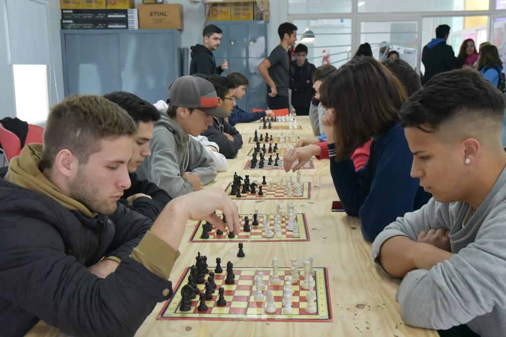 Campana Juega: arrancó la competencia con dos juegos de mesa