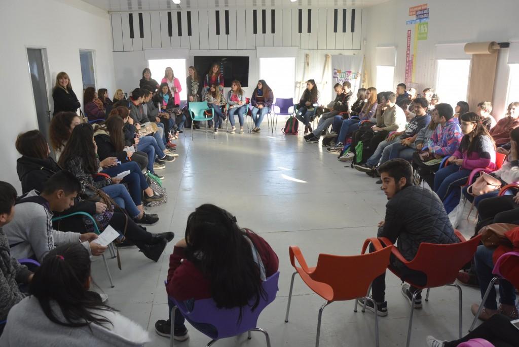 Estudiantes del secundario participaron de la instancia distrital del Parlamento Juvenil