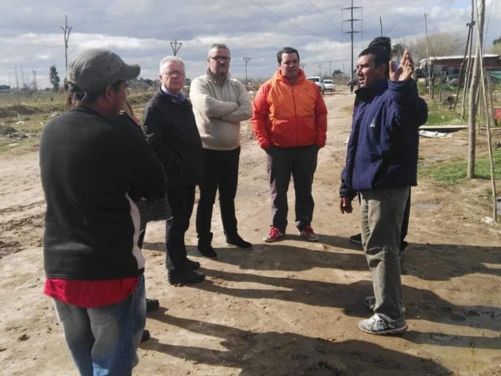 Romano acompañó a más de cincuenta vecinos que se quedaron sin trabajo