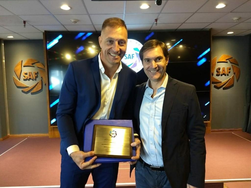 La Sùperliga Argentina brindò un reconocimiento de Nèstor Pitana por su actuaciòn en el Mundial Rusia 2018