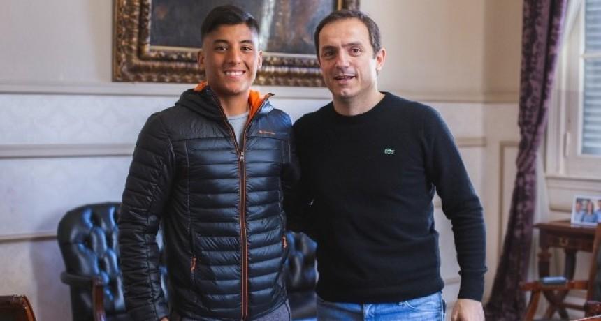 Abella se reunió con el tenista Suárez tras su gira por Europa