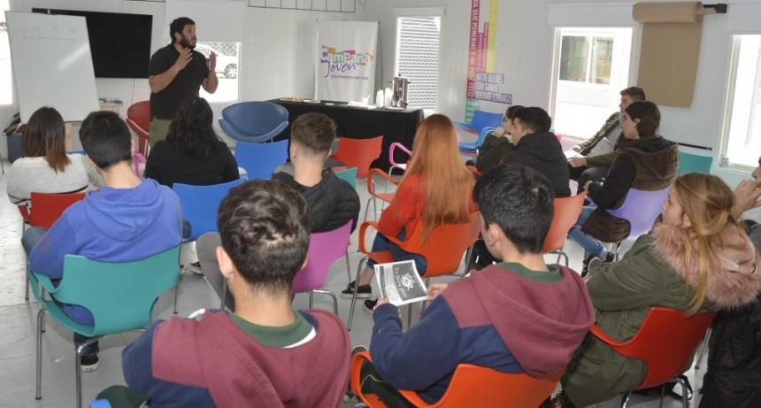 Los nuevos estudiantes del CBC participaron de una charla introductoria