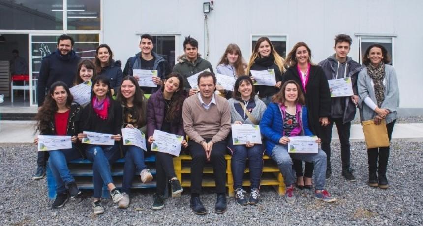 Entregan reconocimientos a estudiantes que colaboraron en la Expo Joven 2018