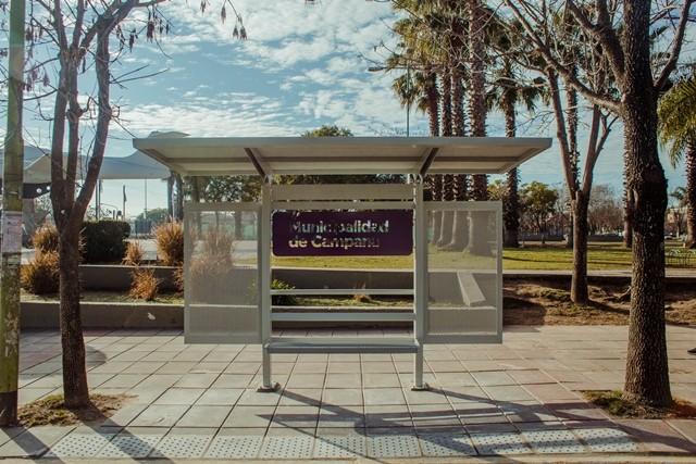 Renuevan los refugios de las paradas de colectivos del casco urbano