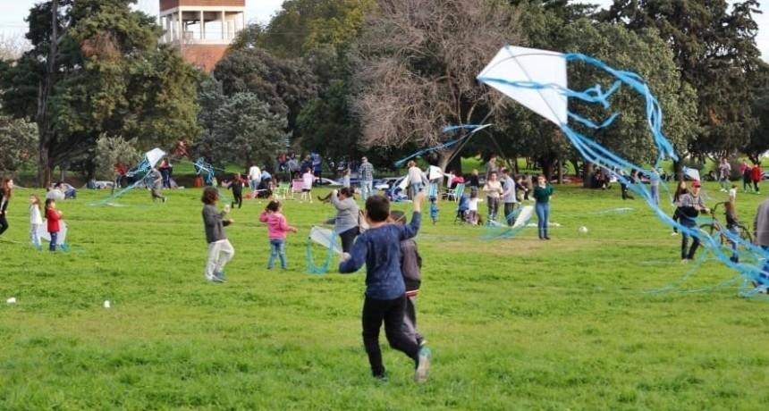 Hoy se realiza la cuarta barrileteada por el Día del Niño  en el Campito