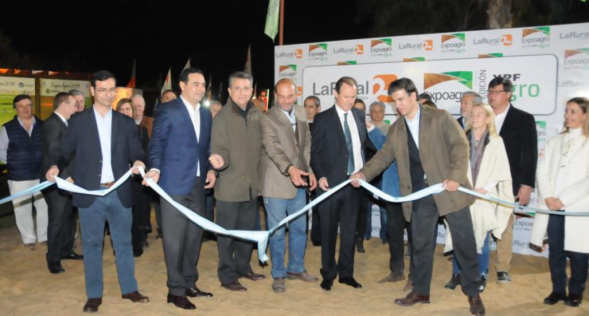 Etchevehere y Valdés abrieron las puertas de Expoagro en La Rural de Corrientes