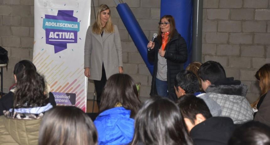 Más de 400 jóvenes reflexionaron sobre ciberbullying y acoso escolar