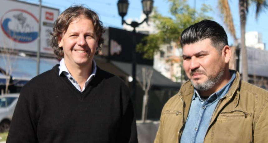 Christian Castillo, candidato a gobernador por el FIT-Unidad visitó Campana