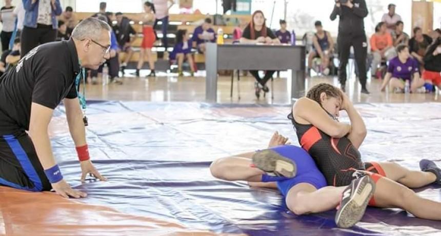 Lucha: Roxana García fue preseleccionada para una importante competencia internacional
