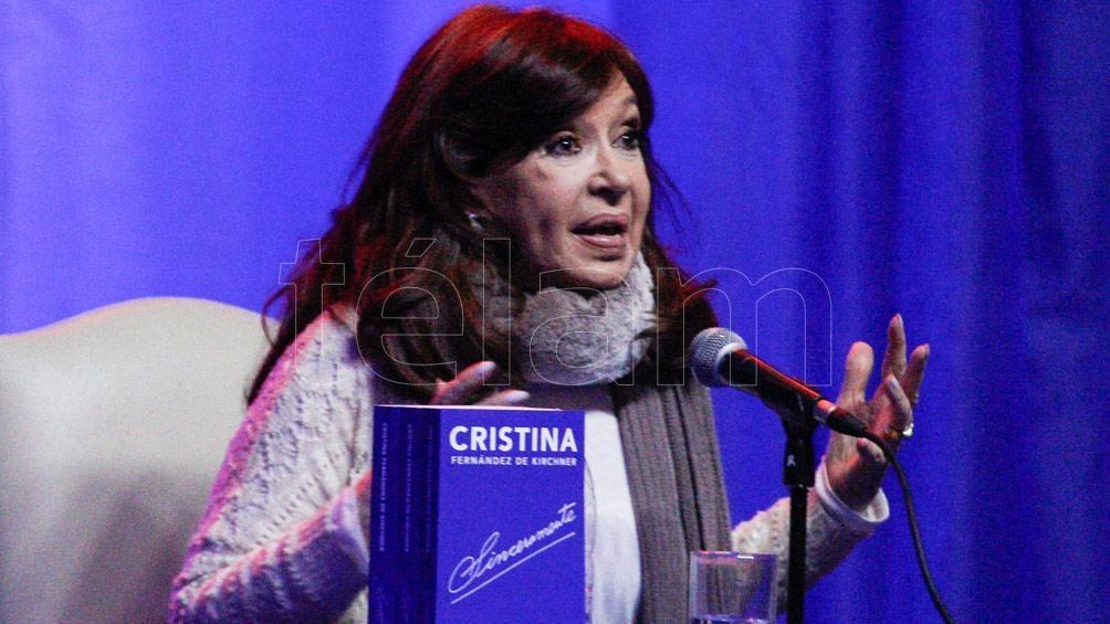 Cristina Kirchner volvió al país y mañana presentará su libro en La Plata