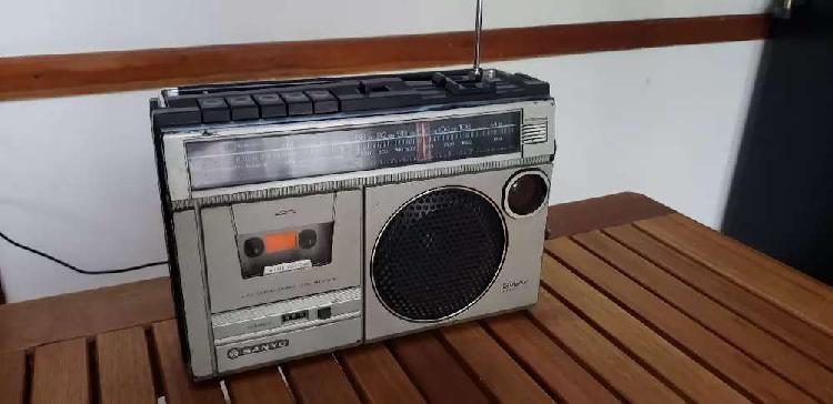 CAMPAÑA :  RADIOS VIEJAS PARA COMBATIR LA SOLEDAD organizado por Radio City Campana FM 91.7 Mhz