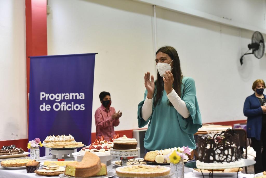 Programa de Oficios: Elisa Abella destacó el compromiso de los egresados y anticipó que habrá nuevas propuestas