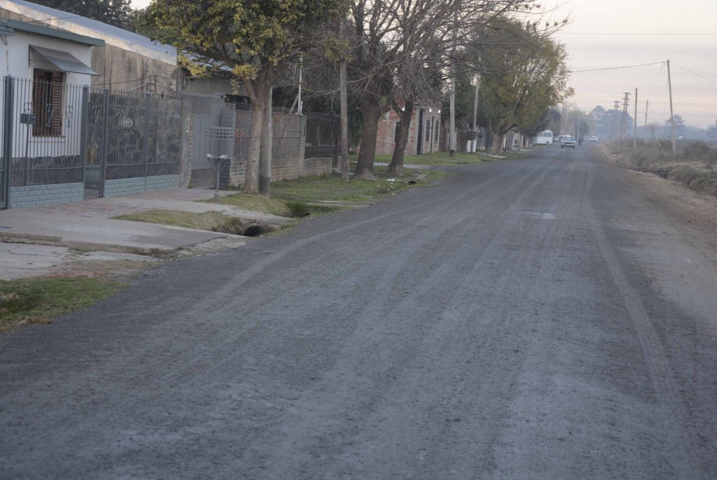 Por obras de asfalto y colocación de escoria, el barrio La Josefa ya no tiene calles de tierra