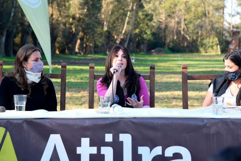 Soledad Alonso: La derecha que nos endeuda y fuga capitales quiere vernos de rodillas