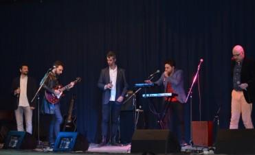 """Exitosa presentación del grupo vocal """"Cabernet"""" en el teatro municipal"""