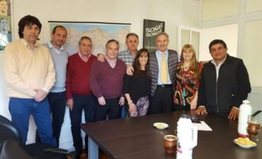 El Frente Renovador Campana y la Agrupación 14 de Mayo se reunieron con el Diputado Felipe Solá