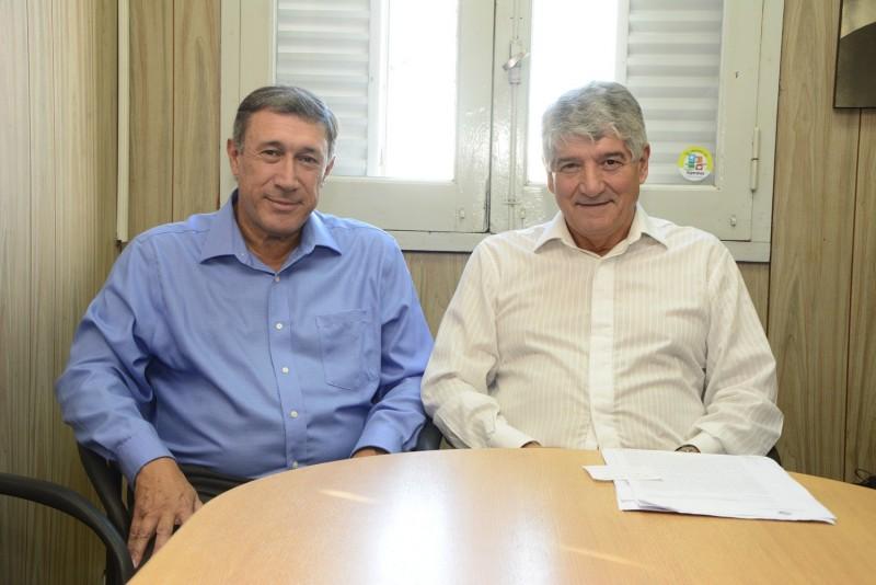 """Vecinos reclaman por el uso de la Av. Ameghino como """"obrador"""""""