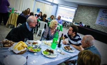 Abella compartió una cena con aficionados del automovilismo