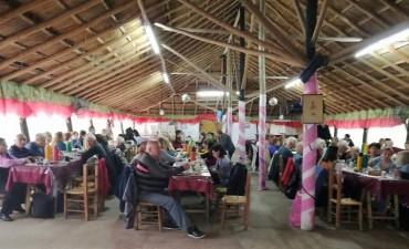 """""""Turismo grande"""": jubilados de Campana volvieron a disfrutar un día de campo"""