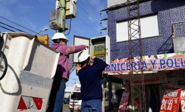 Reemplazan y reparan los controladores de los semáforos de esquinas clave de la ciudad